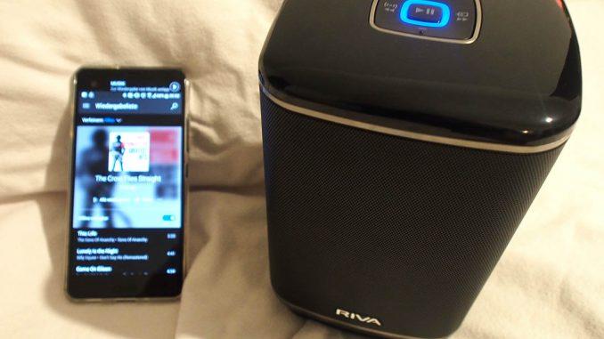 Riva Wand Audio Hero with Smartphone