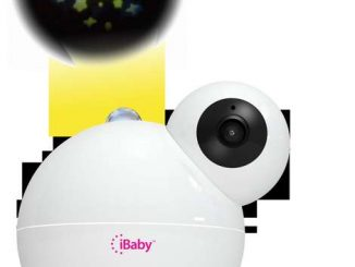 Das passende Tool für frischgebackene Eltern gibt's mit dem Babymonitor M7 von iBaby Labs: Der Babymonitor erlaubt dank smarter Funktionen und WLAN-Verbindung Eltern ihren Nachwuchs jederzeit mit dem Smartphone im Blick zu behalten. Baby-Watch mit dem Babymonitor M7 von iBaby Labs Neben einer hochauflösenden Kamera ist der Babymonitor mit speziellen Sensoren ausgestattet, die eine gesunde Umgebung sicherstellen. Denn der Babymonitor M7 lässt sich über eine kostenlose App in weniger als 60 Sekunden installieren. Danach kann eine unbegrenzte Anzahl Nutzer-Accounts mit konfigurierbaren Nutzungsrechten angelegt werden. Außerdem können bis zu vier Nutzer den Video-Feed gleichzeitig verfolgen. Die App läuft sowohl unter iOS als auch Android. Für die sichere Überwachung bietet der M7 hochauflösende Videoübertragung in Full HD 1080p-Auflösung mit Nachtsichtfunktion. Die Kamera lässt sich horizontal um fast 360° schwenken. In der Vertikalen beträgt der Neigungswinkel bis zu 140°. Über die App steuert man auch die Kamera und alle Funktionen des M7. Dabei warnt der individuell einstellbare Bewegungs- und Geräuschalarm die Eltern via Push-Benachrichtigung. Die Tonübertragung ist auf Wunsch auch dann aktiviert, wenn die App im Hintergrund geöffnet ist. Zudem fragen die eingebauten Sensoren des M7 kontinuierlich Temperatur und Luftqualität ab. Über die Zwei-Wege Audioübertragung kann man jederzeit mit dem Kind sprechen und Ton- sowie Videoaufnahmen starten. Um das Baby sanft in den Schlaf zu wiegen, verfügt der Babymonitor M7 über eine rotierende Sternenhimmel-Projektion. Außerdem spielt M7 auch eine Vielzahl an Schlafliedern, Naturgeräuschen und sogar eigene Tonaufnahmen über die App ab. Rund 250 Euro via Amazon.