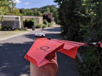 Papierflieger mit Antrieb