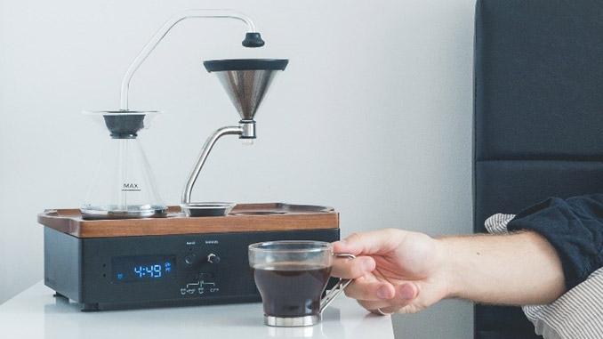 Kaffee ans Bett Wecker mit Kaffeemaschine Bariseur